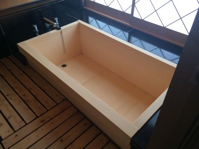 特別室「瑠璃」のお風呂を新しくしました