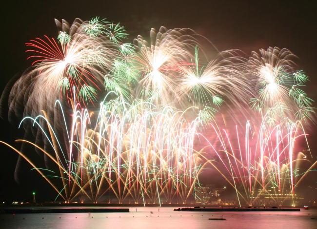 5月14日(土)春の熱海海上花火大会の開催日です。