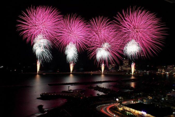 8月18日(木)の花火大会のプログラムです。