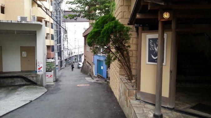 宿泊者様専用の駐車場は、ホテルから30m位隣です。