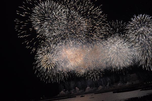 12月24日は熱海海上花火大会です