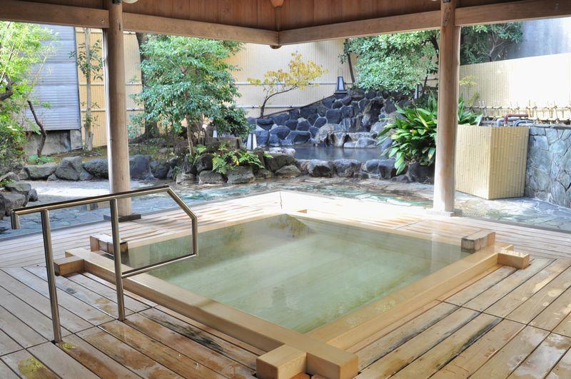 男性大浴場の高野槙風呂の改修が終わりました