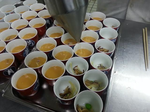『茶碗蒸し』の具が気になります。