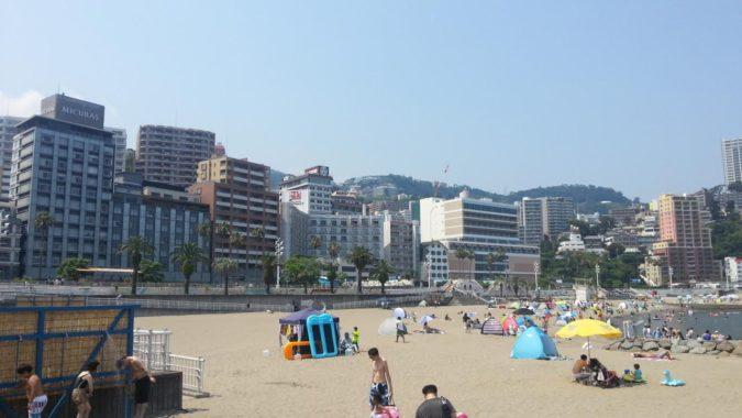 『熱海サンビーチ』が海開きしました。(7月8日~8月27日)
