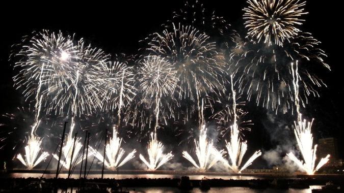 次回の熱海海上花火大会の開催日は、4月14日(土)です。