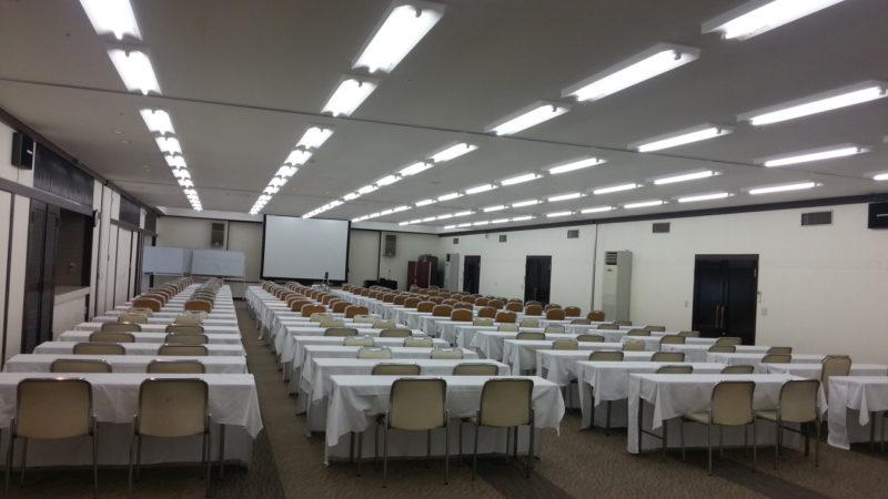 6月は、企業様や同業組合様の総会が多くて・・・会議場は。