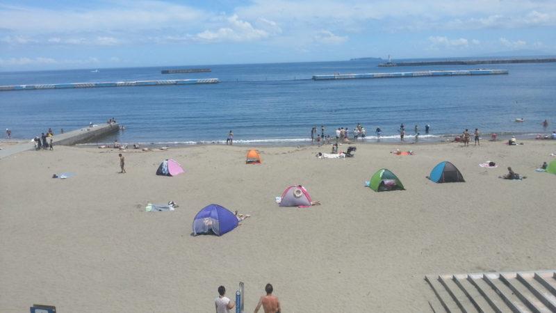 暑い~暑い~熱海温泉・・・・熱海サンビーチでは、