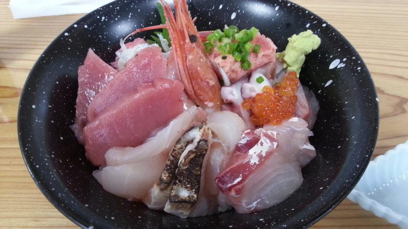 美味い海鮮丼は、地味丼だったりして・・・・