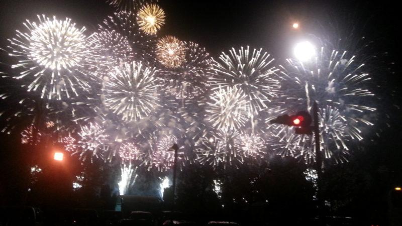 次回の熱海海上花火大会は、2019年3月31日(日)です。