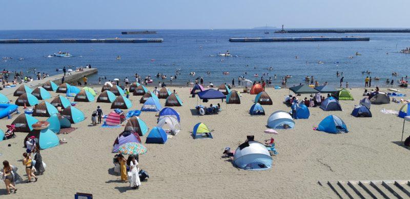 まだまだ海水浴のお客様で賑わう~熱海サンビーチ~